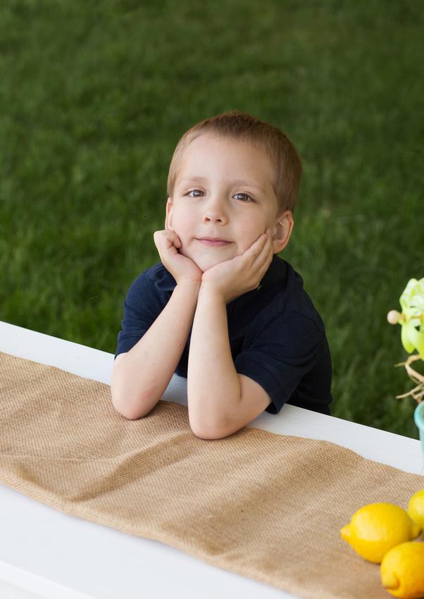 Pueblo Childrens' Photographer K.D. Elise Photography lemonade stand mini sessions.